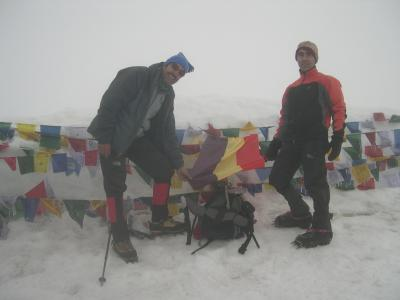 La tercer Republica en el Stock Kangri (6150m.). La proxima vez la colocaremos en el Everest
