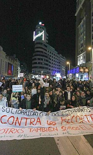 Casi 3.000 personas cortan el centro de Madrid